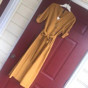 Mustard long Zara dress✨